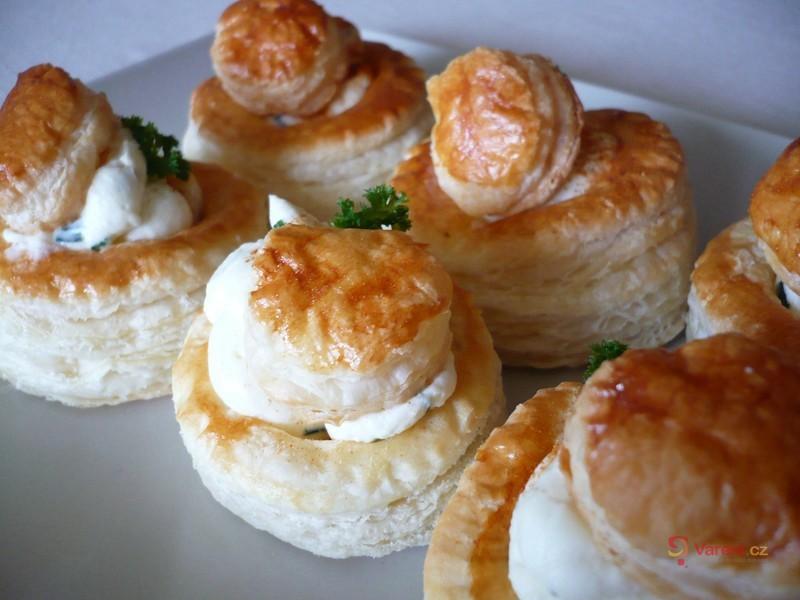 Paštičky plněné sýrovým krémem