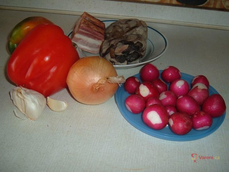 Pohanka se zeleninou a houbami