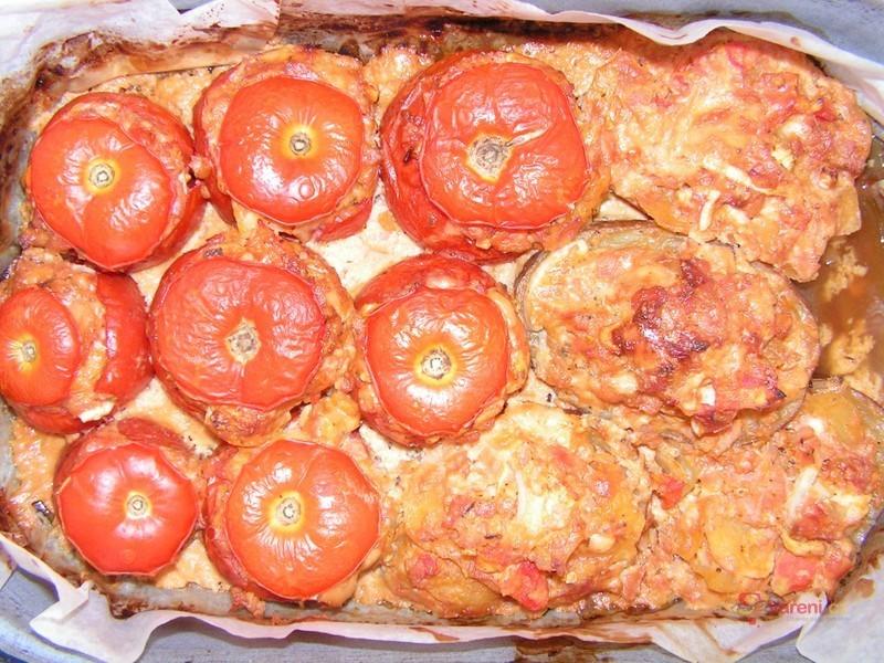 Plněná rajčata masem
