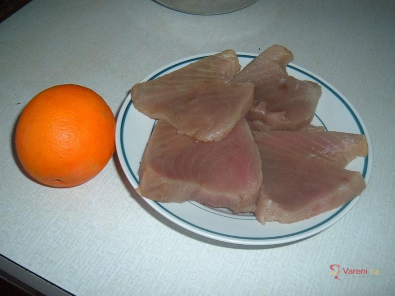Smažený tuňák s pomerančem