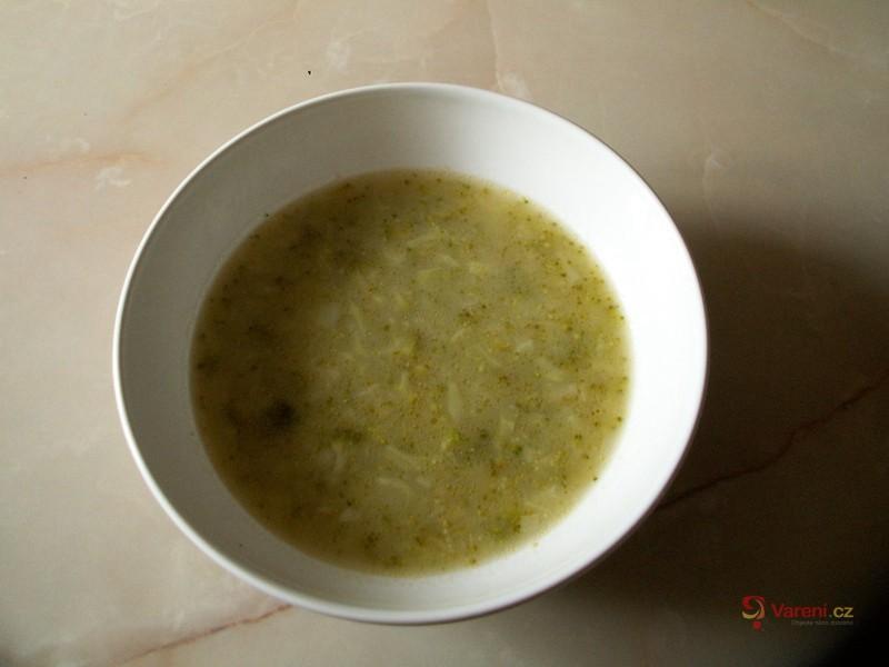 Brokolicová polévka s brambory