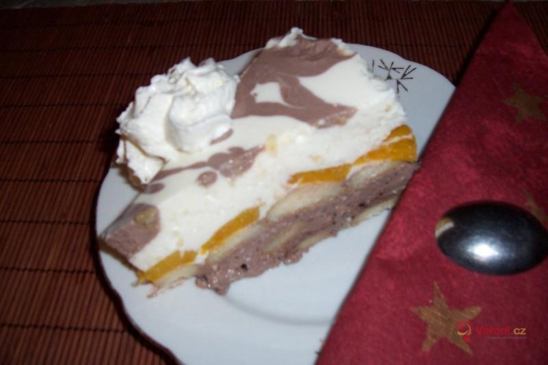 Tvarohový dort s kakaem a ovocem