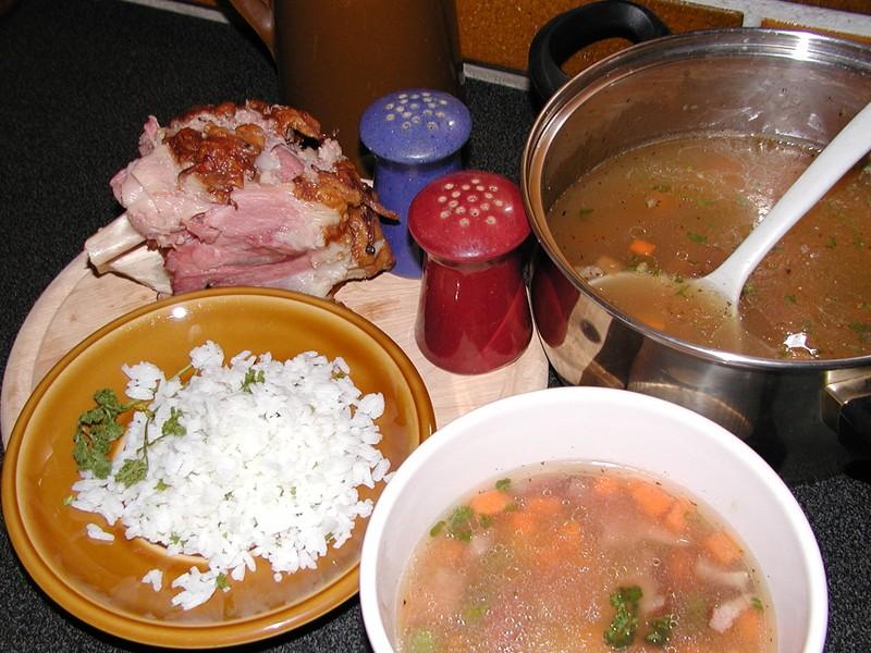 Polévka z uzeného masa