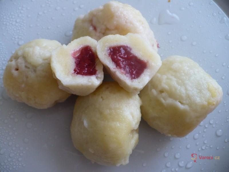 Tvarohové knedlíky plněné ovocem
