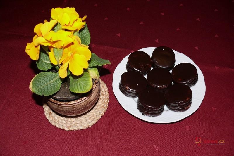 Rumovo-ořechové dortíčky