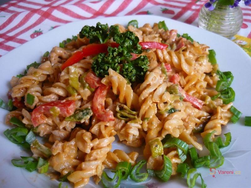 Těstoviny na woku