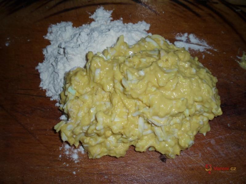Polévka s vaječnými nočky