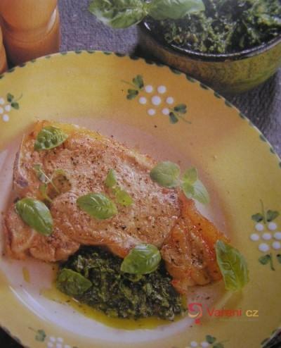 Telecí s omáčkou salsa verde