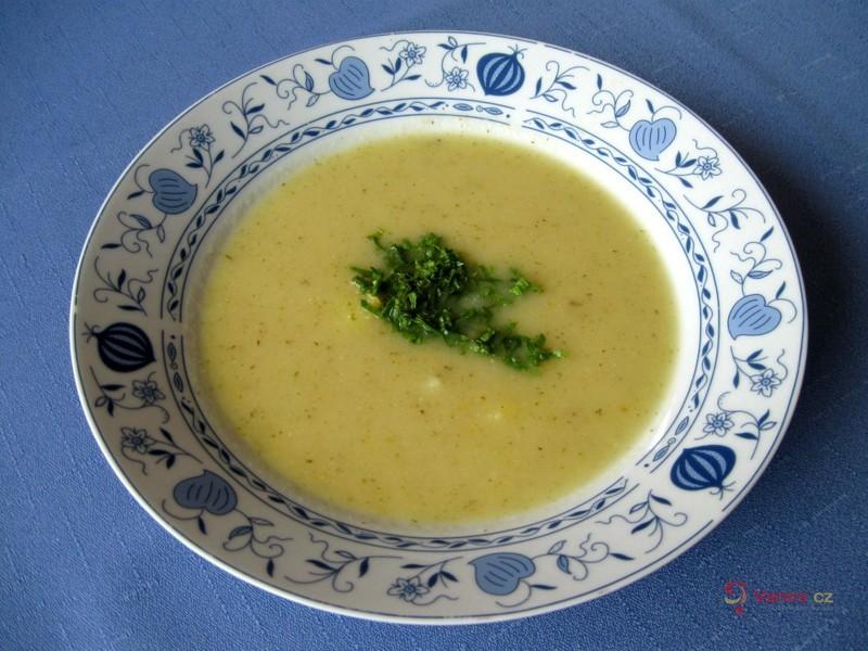 Cuketová polévka s brambory