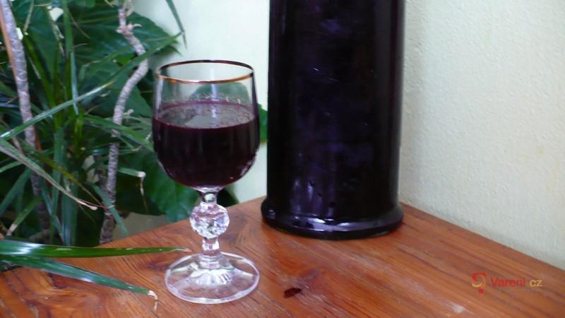 Rychlý bezinkový likér