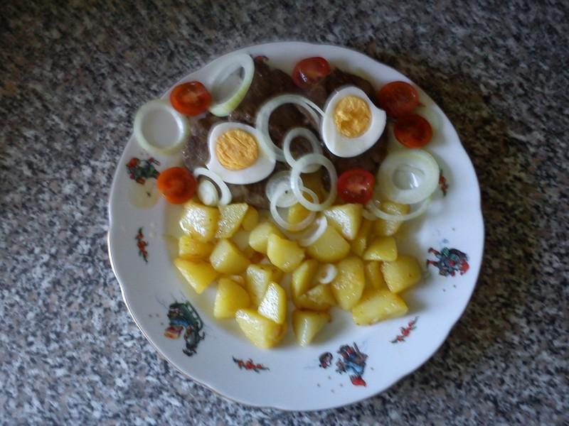 Jelení biftek s vejcem