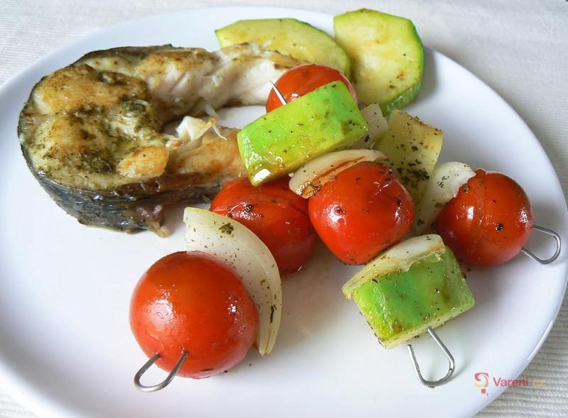 Zeleninový špíz s amurem
