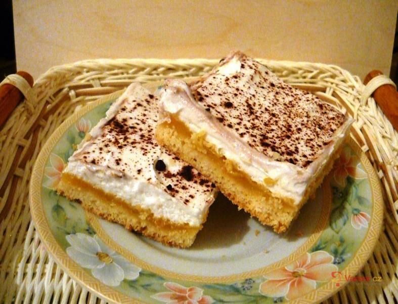 Jablečný koláč s pomerančovým krémem