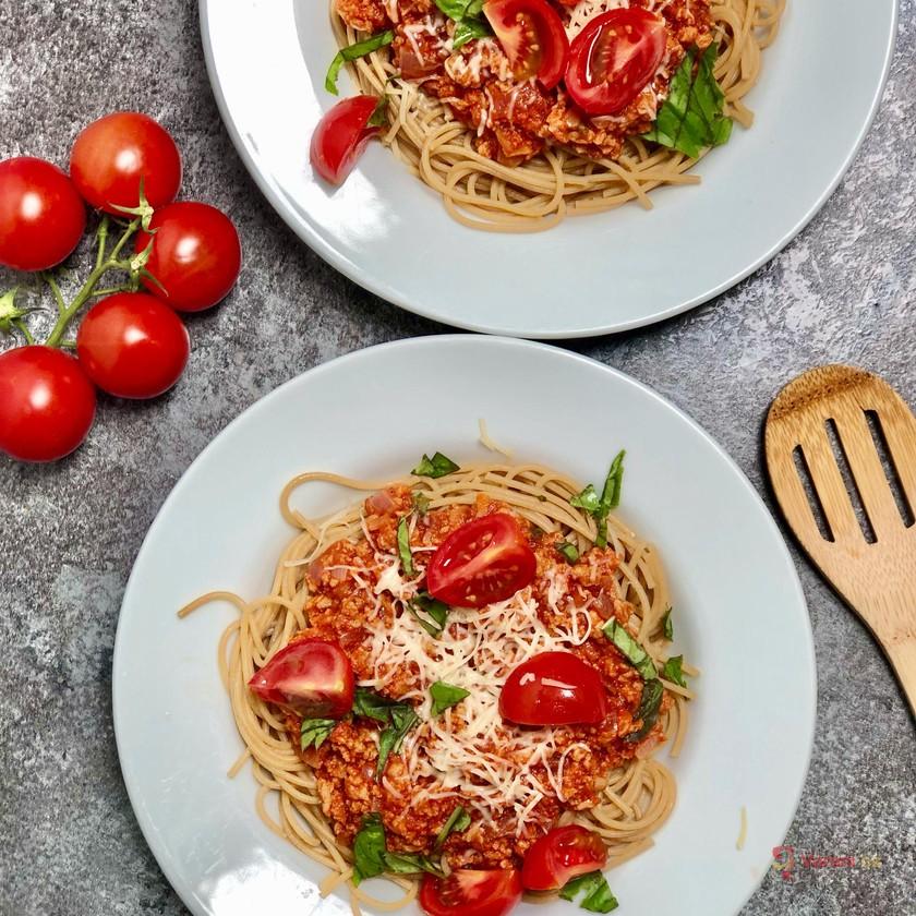 Těstoviny s rajčatovou omáčkou se sojovým masem
