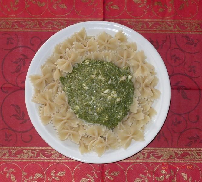 Špenátová omáčka na těstoviny