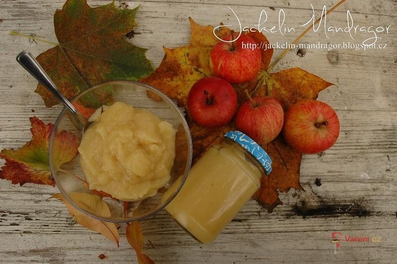 Vynikající jablečná přesnídávka