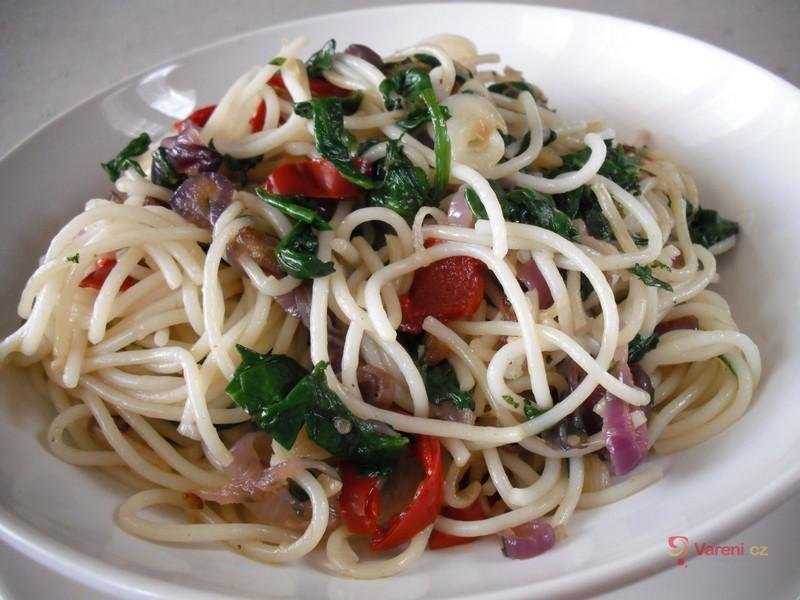 Špagety s listovým špenátem