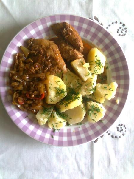 Pikantní kuřecí prsa se zeleninou