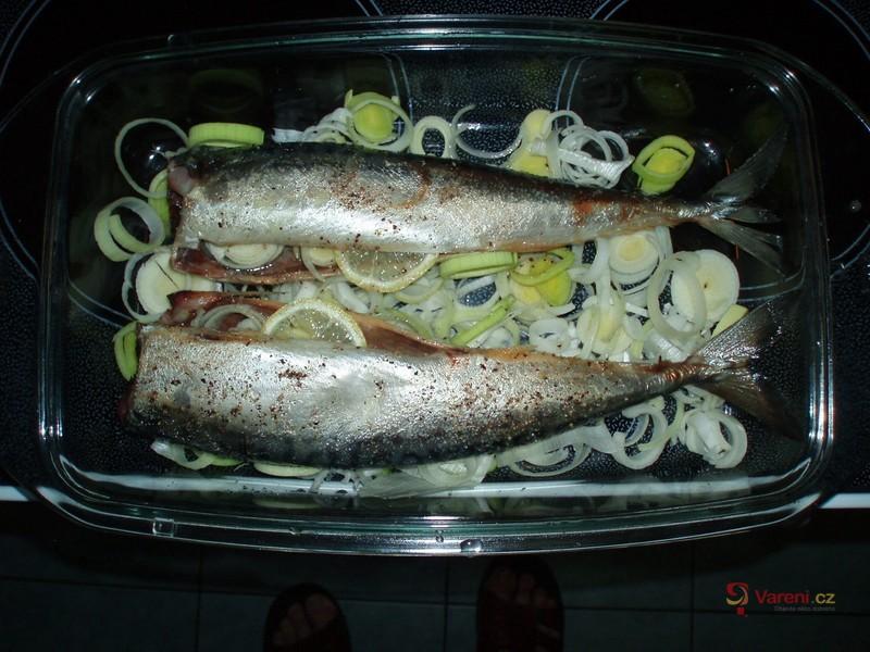 Makrely pečené s pórkem