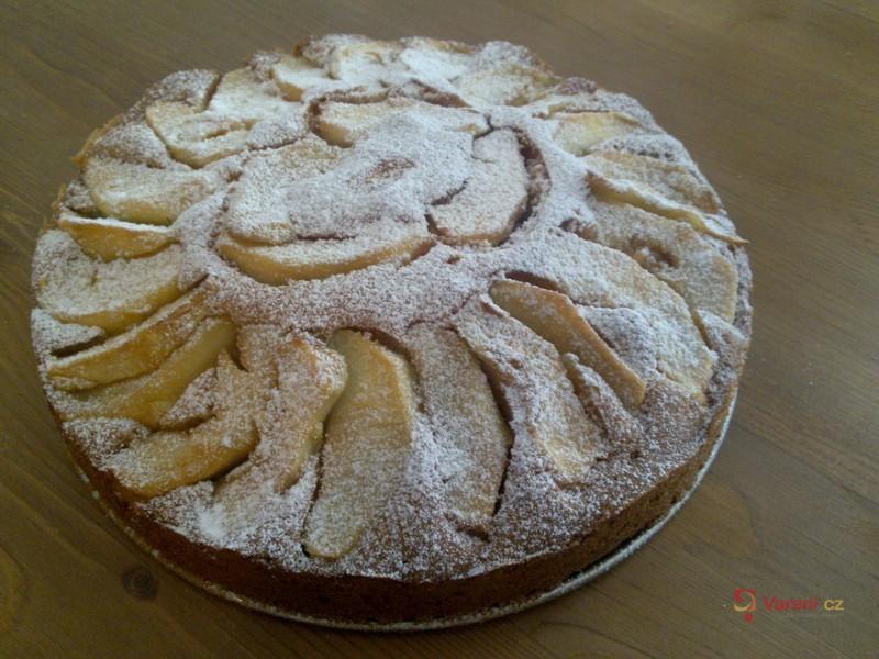 Voňavý jablkový koláč