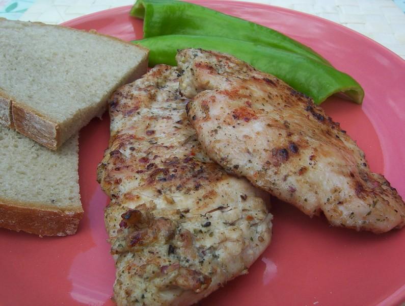 Marinované kuřecí maso na grilu