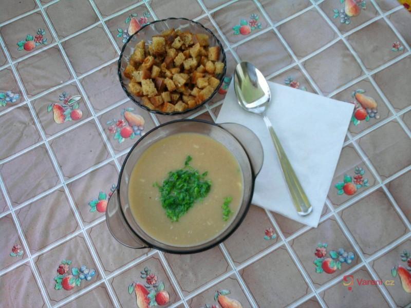 Krémová kmínová polévka
