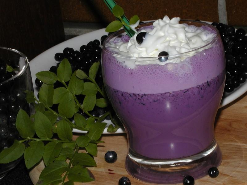 Borůvkový jogurtový koktejl