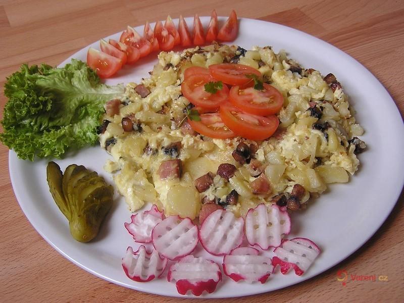 Sedlácká omeleta s rajčaty