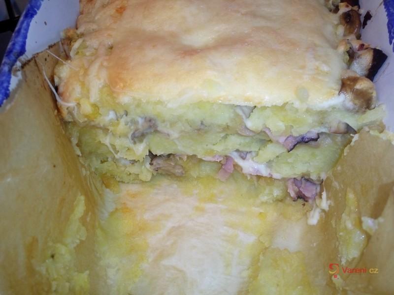 Zapékané brambory se žampiony a nivou