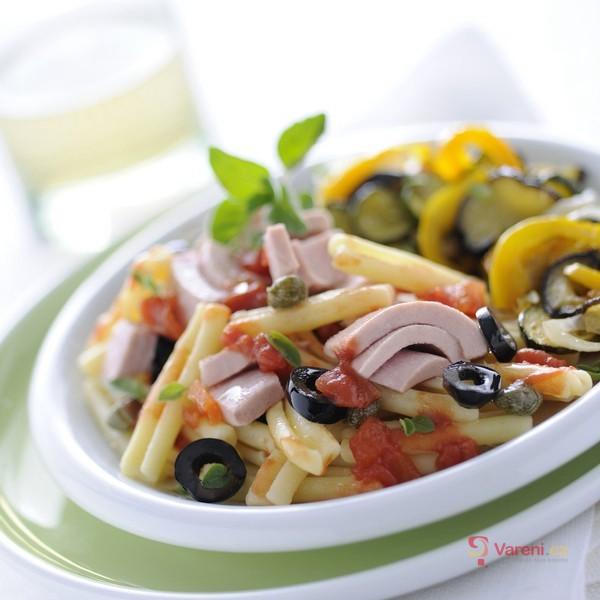 PerPasta alla Puttanesca se středomořskou zeleninou