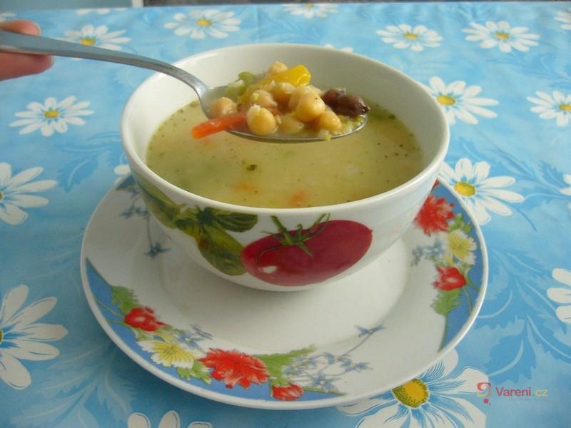 Skvělá cizrnová polévka