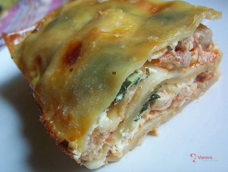 Lasagne s kuřecím masem a špenátem
