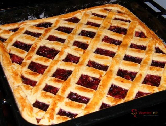 Mřížkový linecký koláč