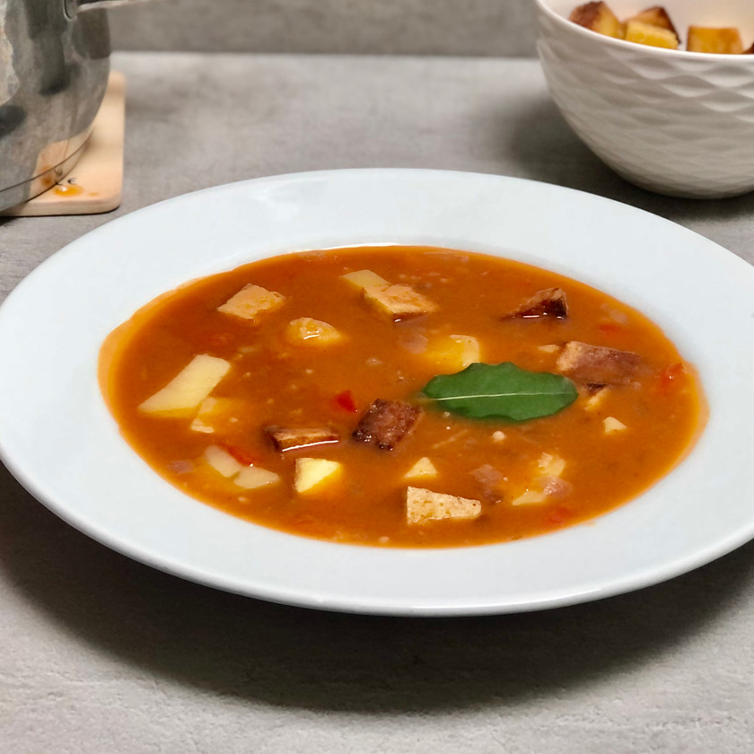Bramborová polévka s uzeným tofu