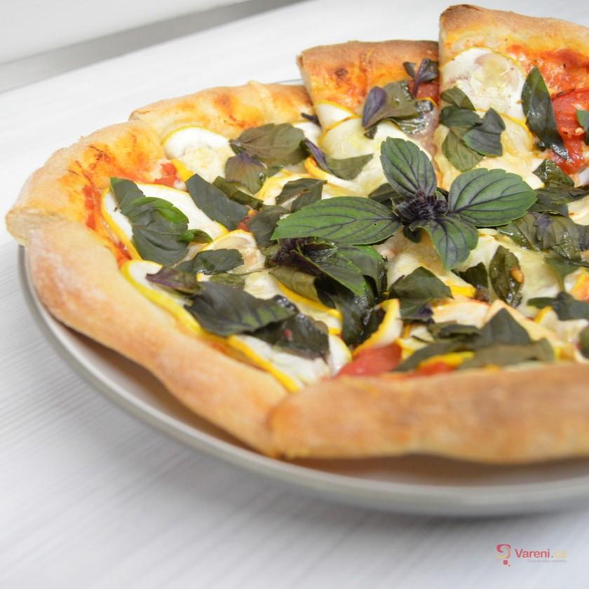 Výborné těsto na domácí pizzu