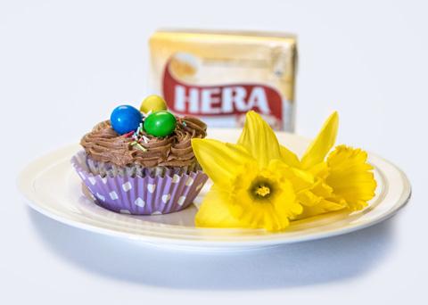 Makové cupcakes s povidlovým krémem
