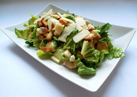 Recept na salát Caesar krok za krokem