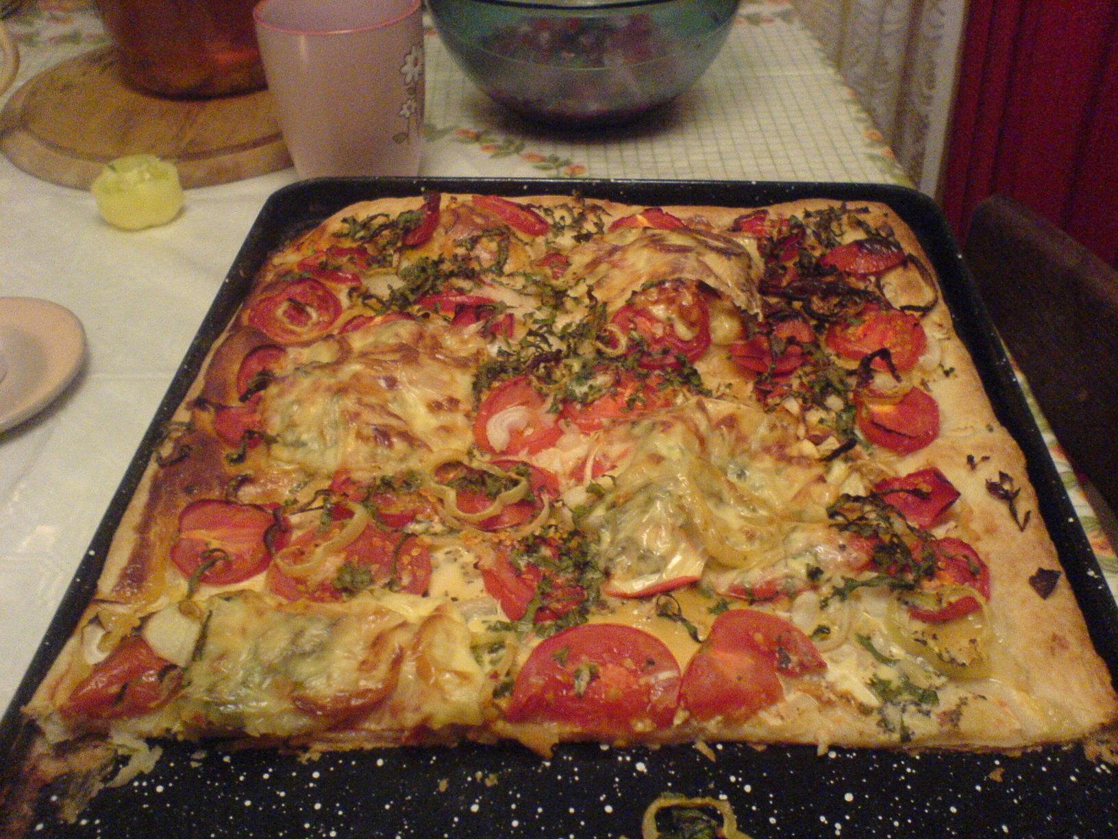 Recept Pizza z listového těsta - Pizza z listového těsta