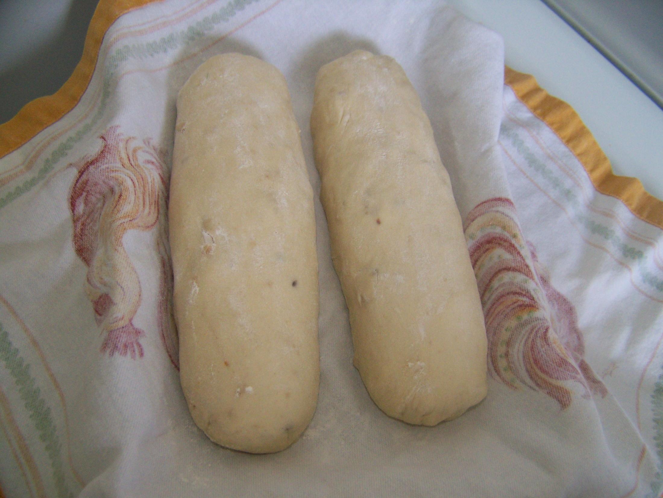 Recept Kynuté houskové knedlíky - Použila jsem americkou mouku.