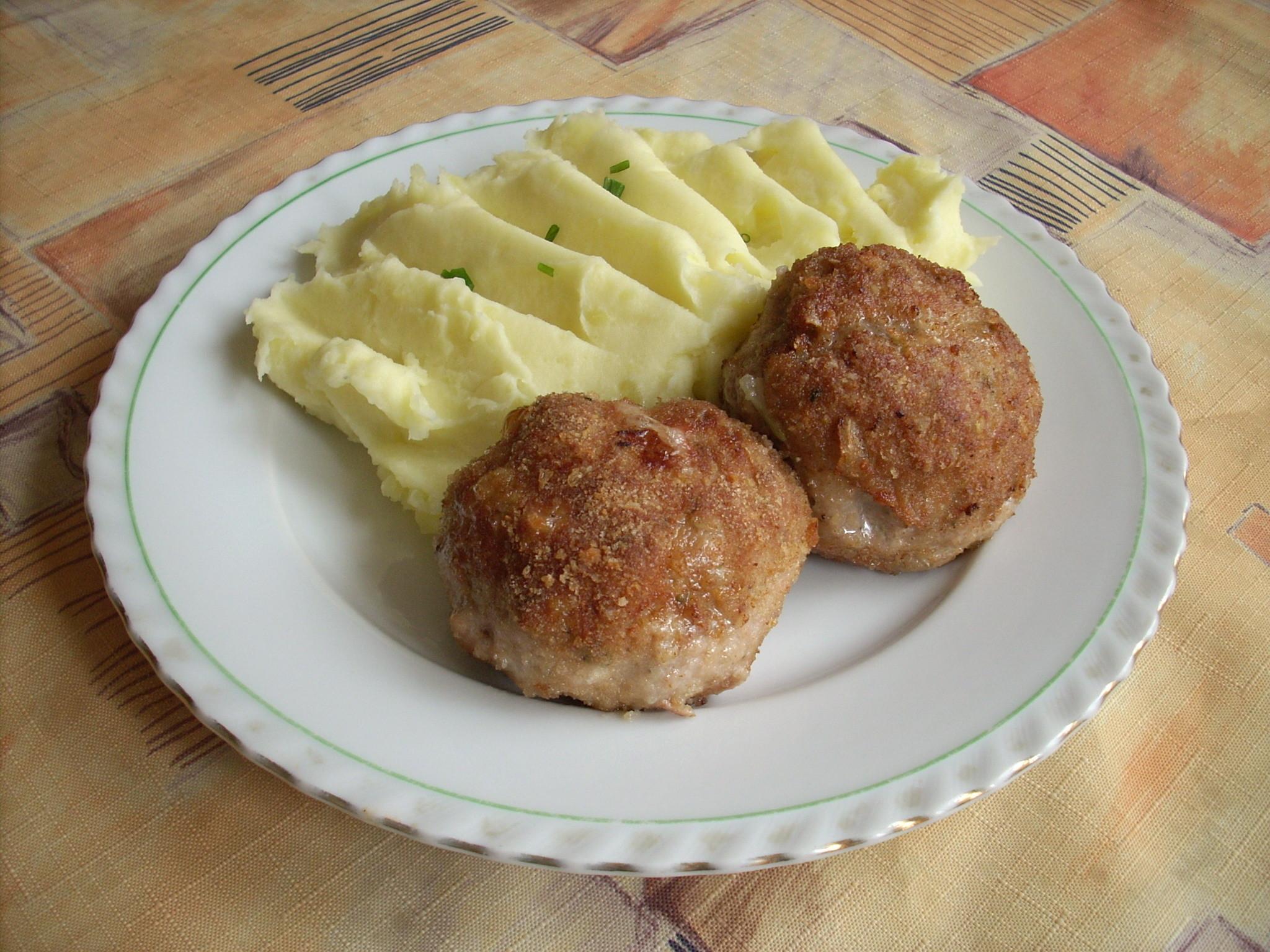 Recept Smažené karbanátky - Dnes jsem je uvařil a byly výborné!
