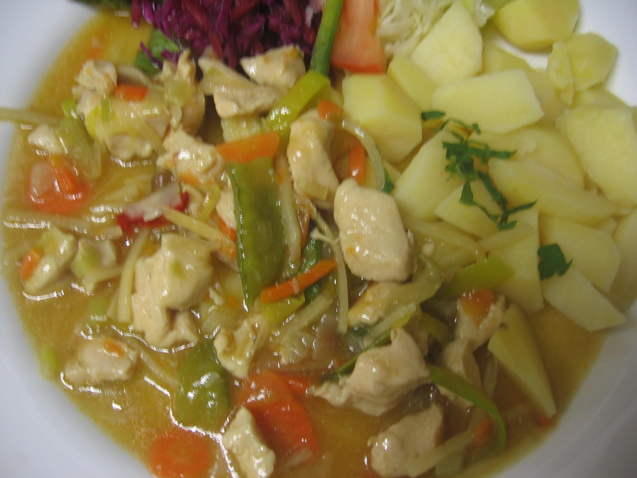 Recept Kuřecí plátky se zeleninou a bambusem - Kuřecí plátky se zeleninou a bambusem.