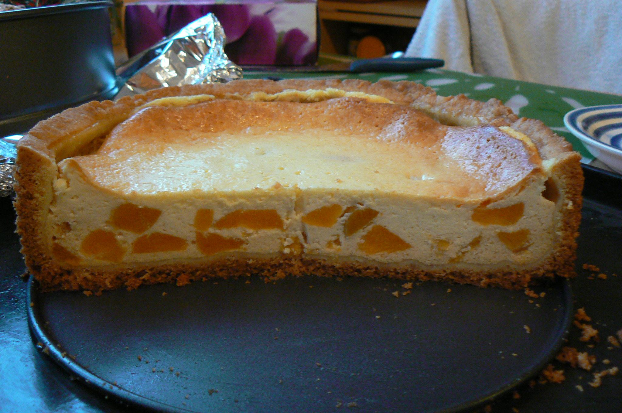 Recept Tvarohový koláč s broskví - průřez