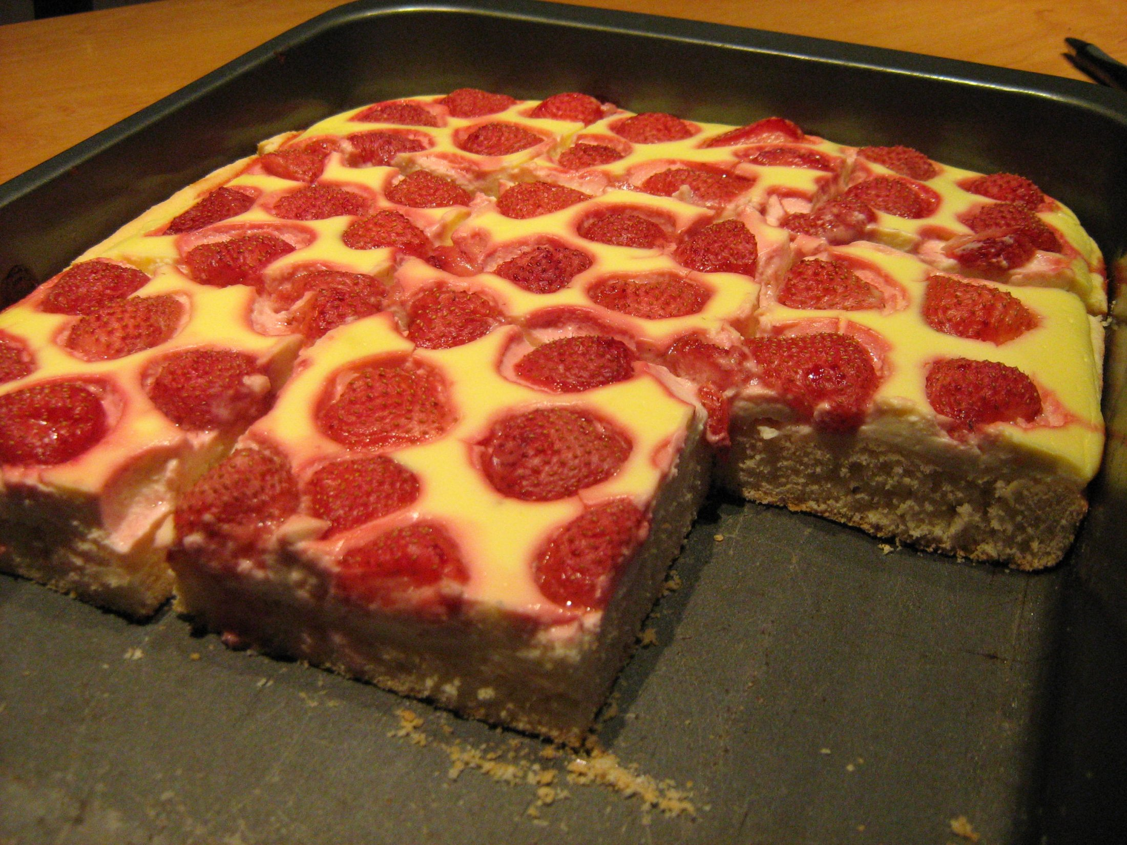 Jahodový koláč s tvarohovým krémem