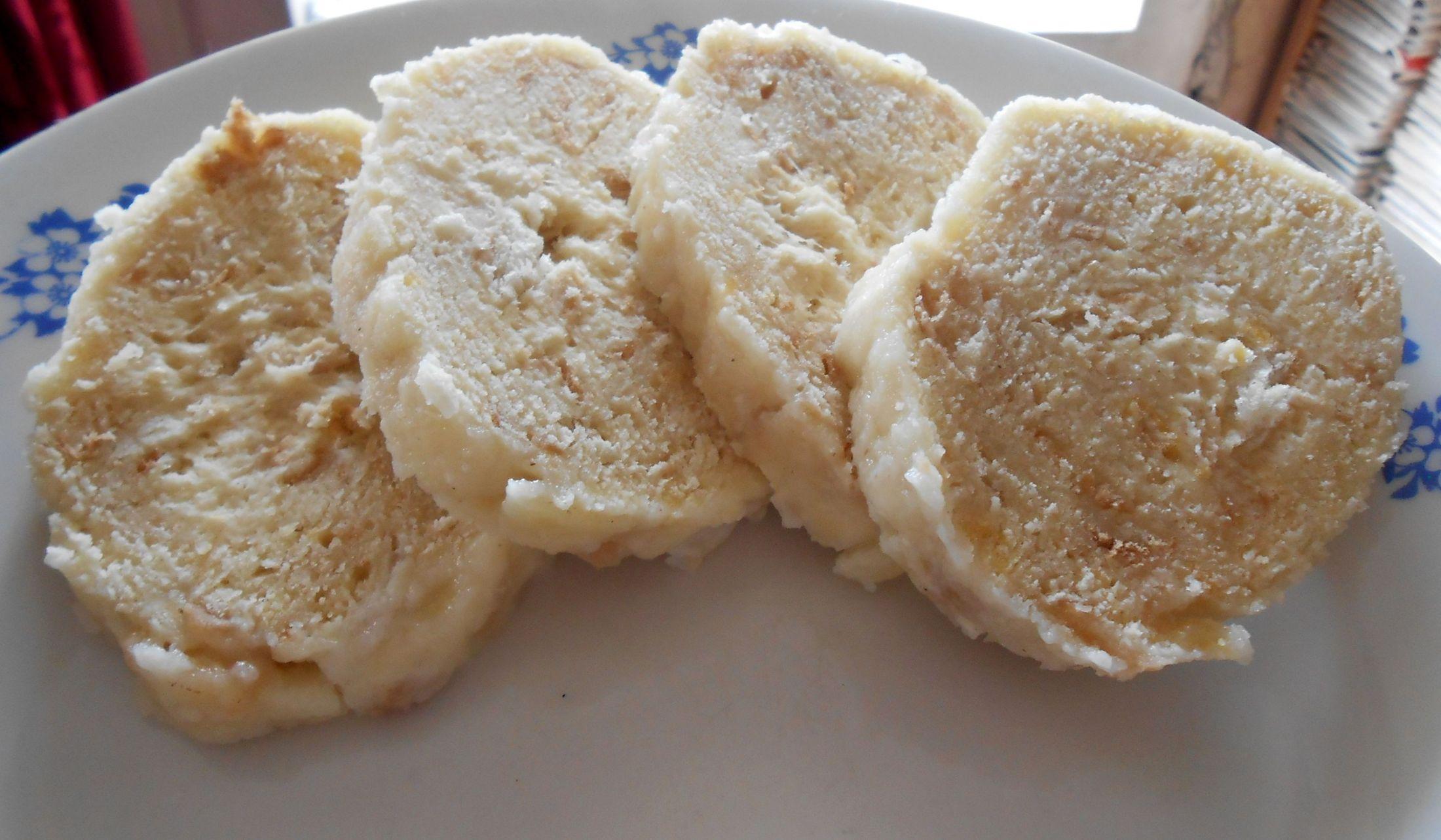Recept Houskový knedlík naší babičky - Houskový knedlík naší babičky