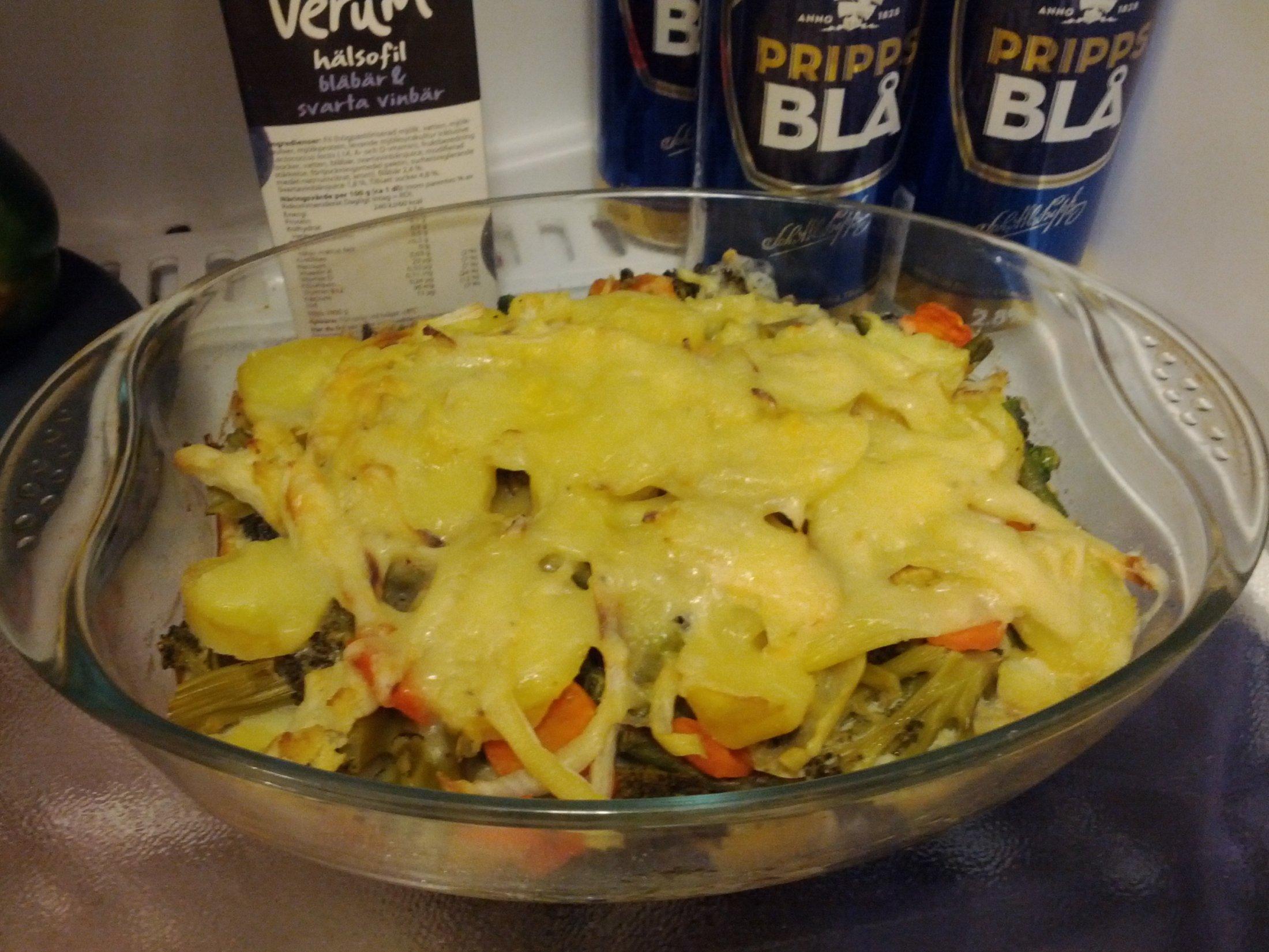 Recept Brokolice s brambory - Brokolice s brambory...spolu s pivem v pozadi to byl vynikajici obed...
