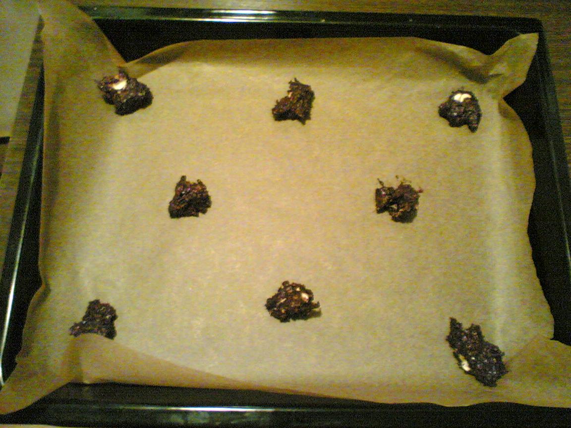 Recept Domácí čokoládové sušenky s vločkami - první pokus o Domácí čokoládové sušenky s vločkami