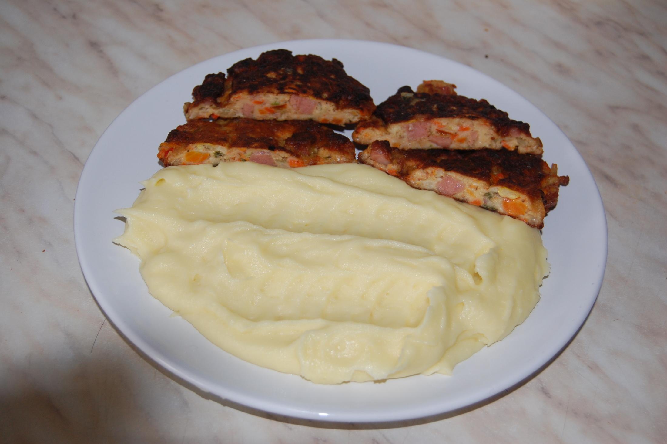 Fotografie receptu: Zeleninové karbanátky se salámem