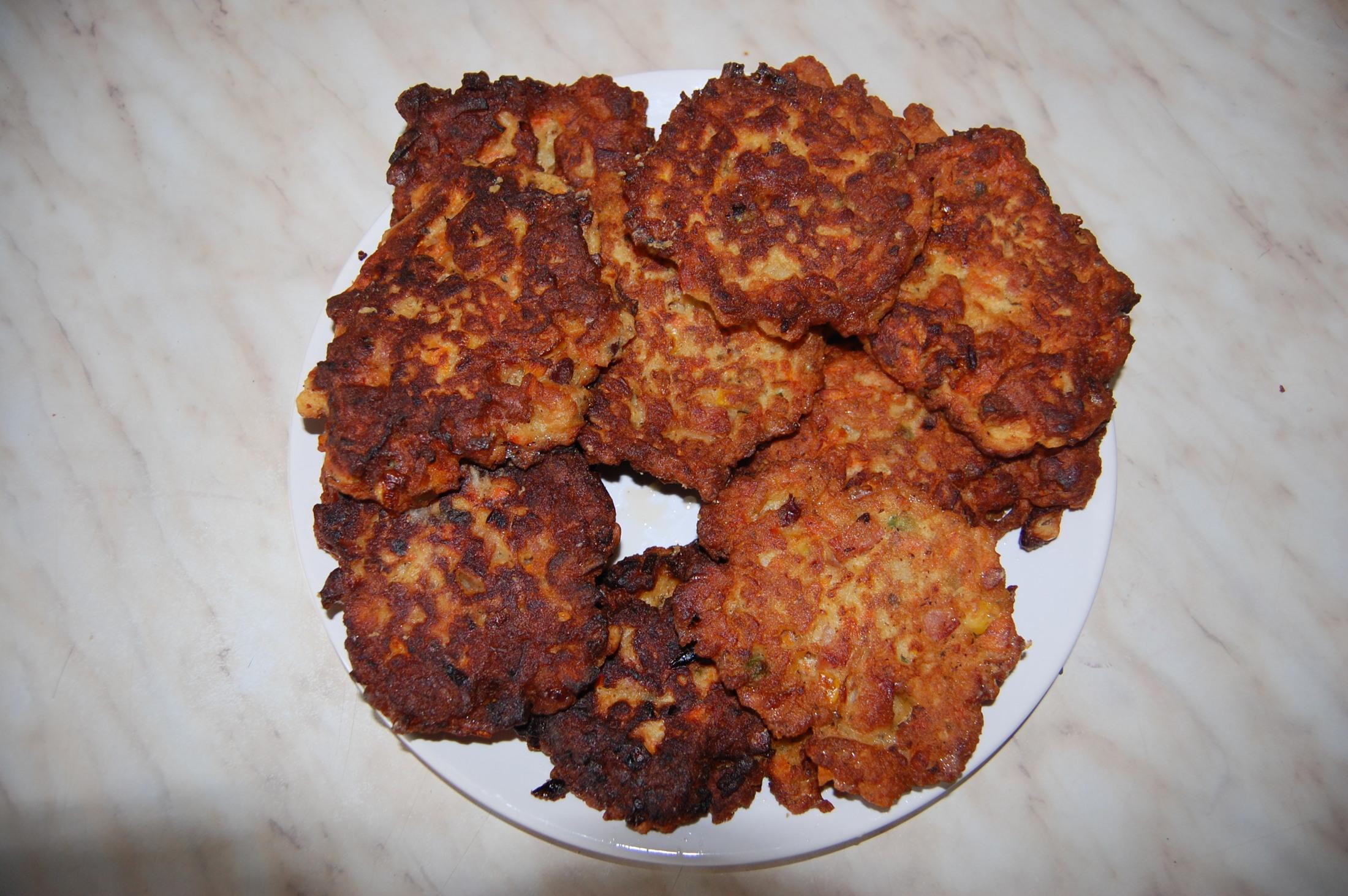 Recept Zeleninové karbanátky se salámem - Zeleninové karbanátky se salámem