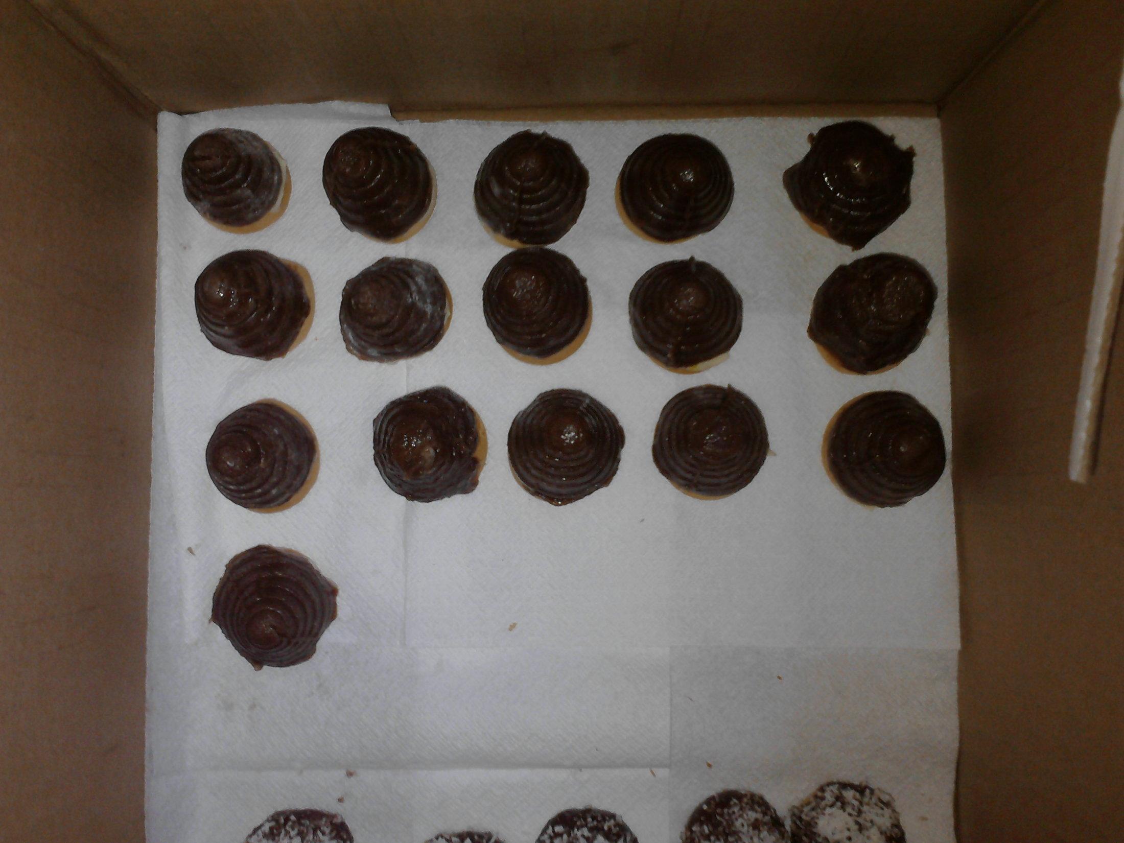 Recept Jednoduchá vosí hnízda - :-) hoodně kakaové a rumové:D