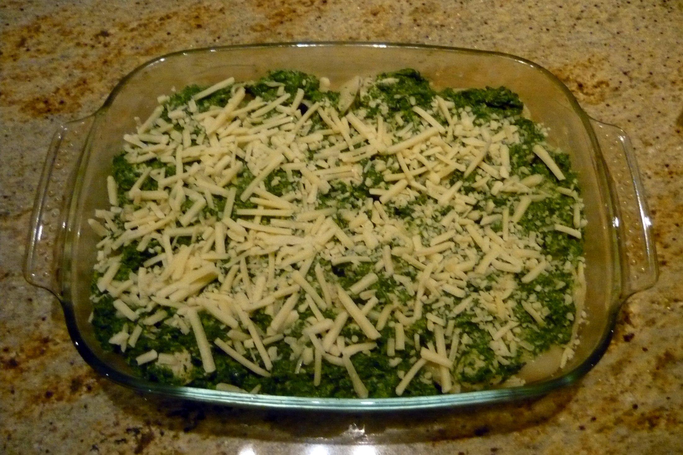 Fotografie receptu: Zapečené těstoviny s kuřecím masem a špenátem